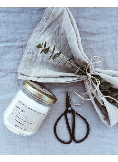 Lily's Candles Lavanta Doğal Mum  Beyaz